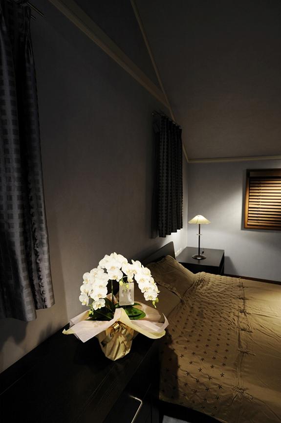 <p>新築祝いやご結婚祝いなどの新居でも・・・寝室におけばこんな感じです。</p>