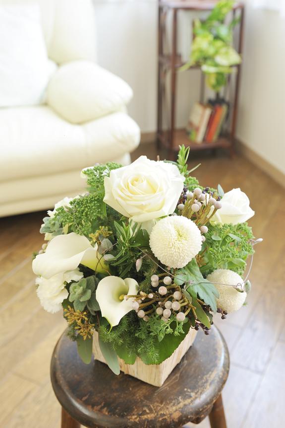 <p>ちょっとしたお祝いやプレゼント、季節のギフトなどにおすすめのアレンジメントフラワーです。</p>