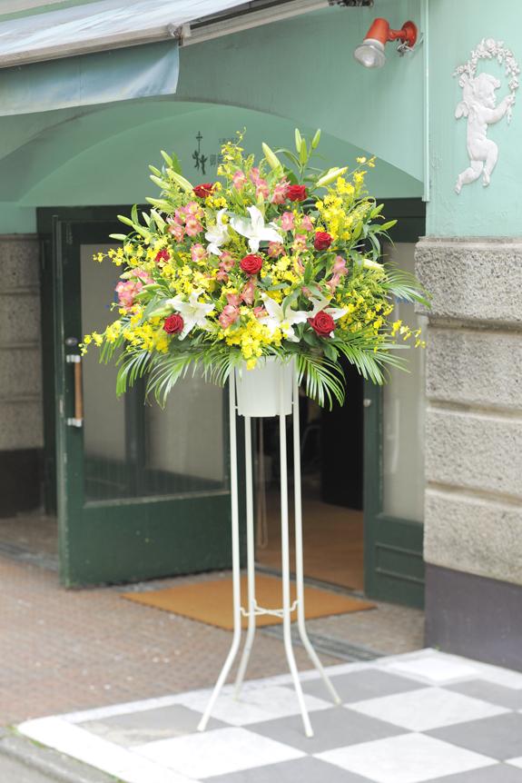 <p>フローリストが季節のお花でお仕立てする「おまかせコース」です!</p>