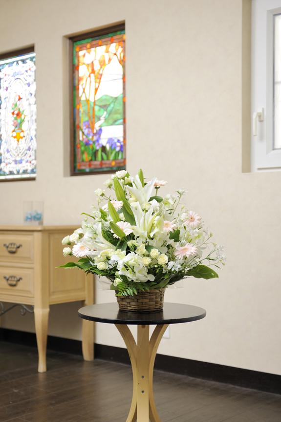 <p>白を基調に淡色系のお花をアレンジしたおまかせコース!</p>