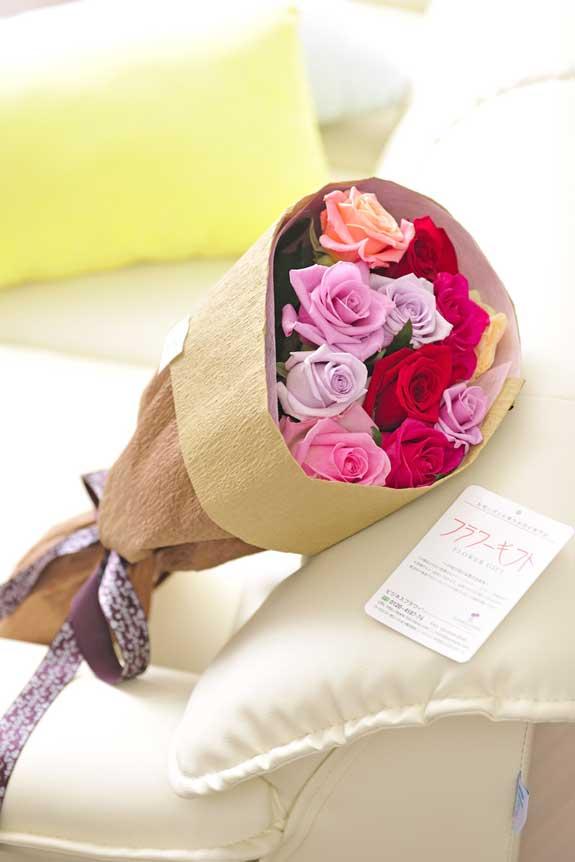 <p>ミックスバラの花束・ブーケはフラワーギフト・贈り物に人気の商品です。</p>