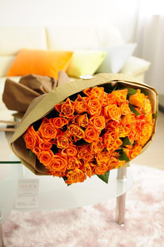 オレンジ バラ 花 言葉