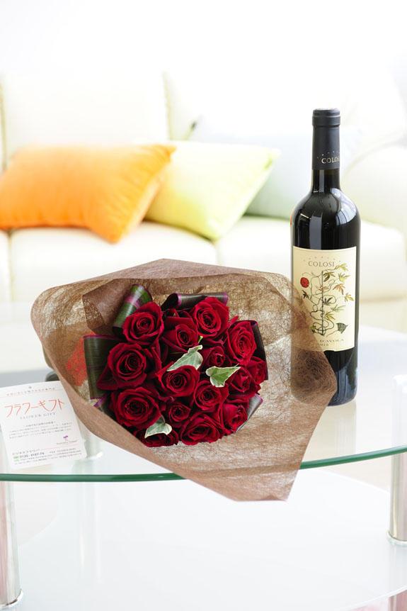 <p>ミディアムボディの赤ワインとバラがセットになったフラワーギフト商品です。気の利いた大人の贈り物、プレゼントとして人気があります。</p>