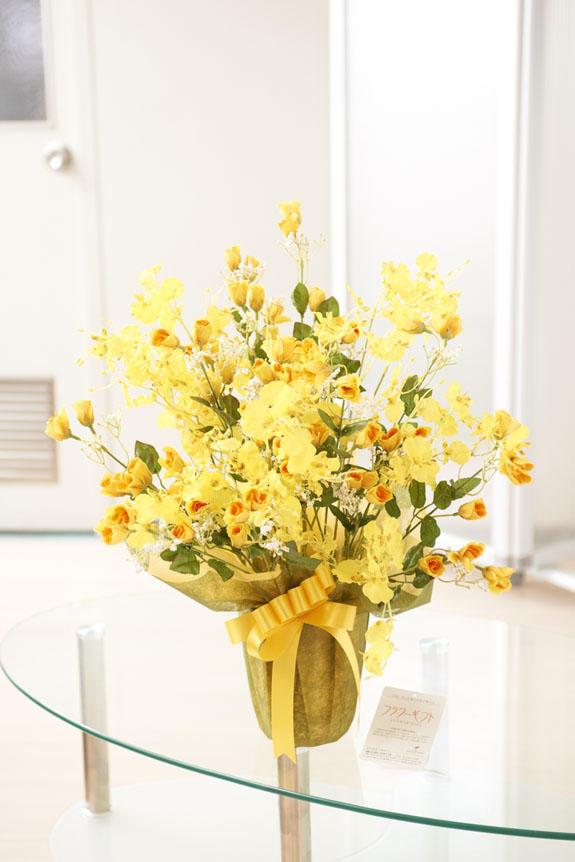<p>受付やオフィス、リビングのインテリアとしても人気の造花アート</p>