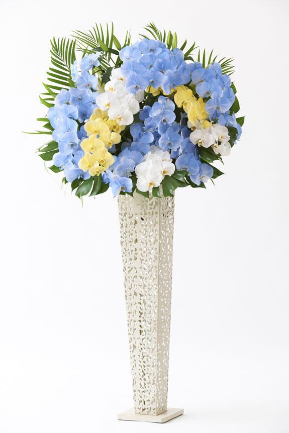<p>開店祝い、開業祝いなどのオープンのお祝いや、出演祝い、公演祝い、楽屋見舞、周年祝いなどのお祝い花スタンドはビジネスフラワーへ®へお任せください。</p>