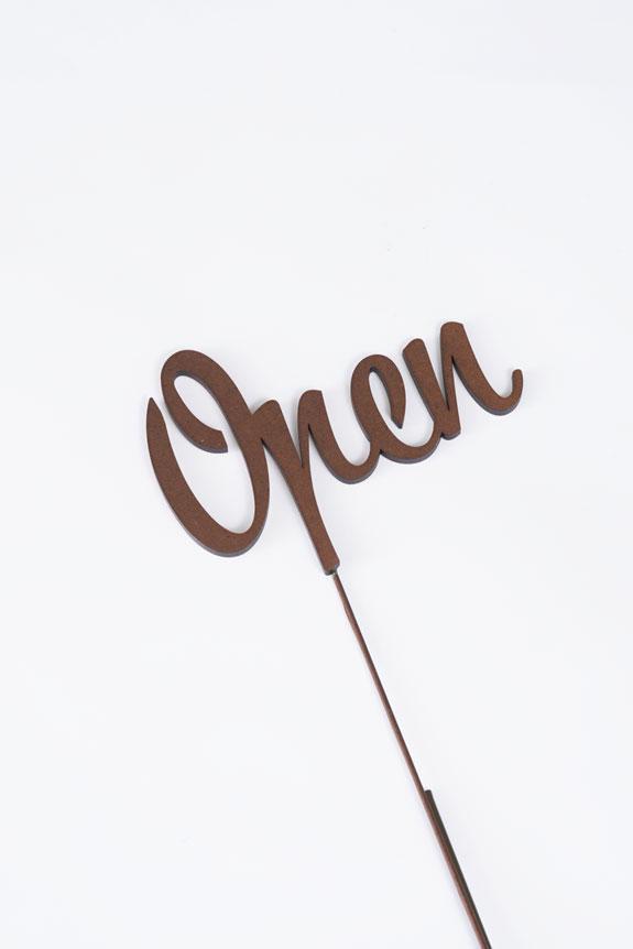 <p>「Open」の文字型のメッセージ立札です。</p>