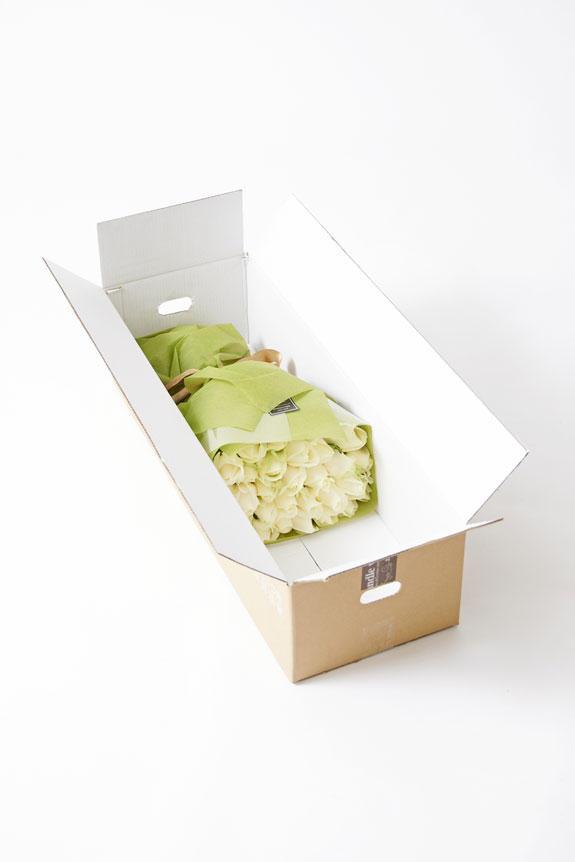 <p>花瓶花(フラワーベース)の梱包イメージ</p>